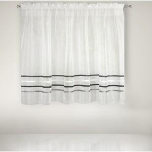 Krátka nariasená záclona s ozdobnými dekoratívnymi sivými pruhmi