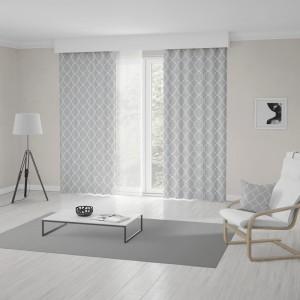 Sivo biele metrážové škandinávske závesy s výrazným vzorom