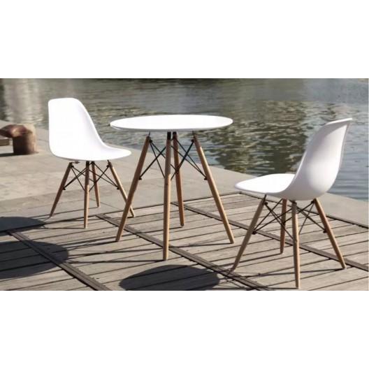 Kvalitná stolička do interiéru s profilovaným sedadlom