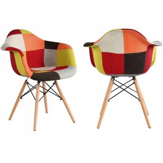 Pestrofarebná dizajnová stolička do jedálne