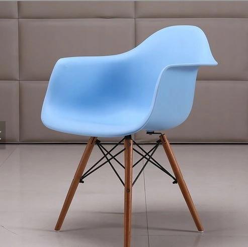 DomTextilu Dizajnová stolička do kuchyne modrej farby 14851