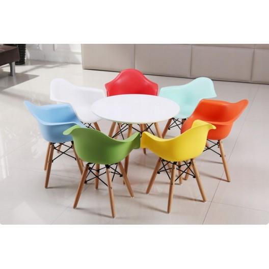 Dizajnová stolička do kuchyne modrej farby