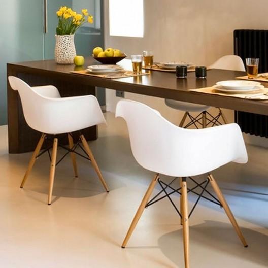 Luxusná biela dizajnová stolička do jedálne