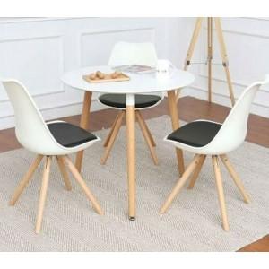 Elegantná biela stolička s čiernym podsedákom