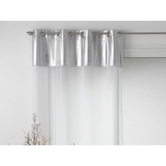 Elegantná záclona bielej farby so strieborným doplnkom METALLIC