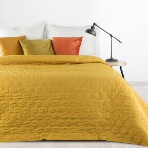 Krásny jednofarebný prešívaný prehoz žltej farby