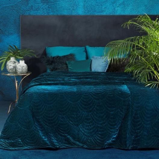 Luxusný tmavo modrý jednofarebný prehoz na posteľ s módnym prešitím