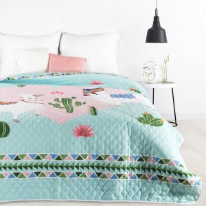 Pestrofarebný prehoz na posteľ s detským motívom