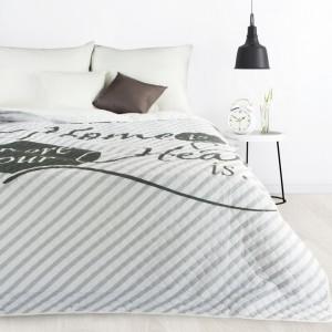 Prešívaná moderná prikrývka na posteľ do spálne