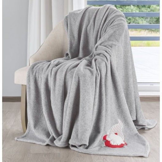 Originálna vianočná deka v sivej farbe s decentným motívom Mikuláša