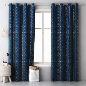 Vzorované škandinávske závesy tmavo modrej farby