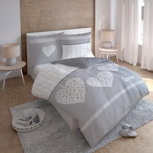 Sivo biele posteľné obliečky so srdiečkom