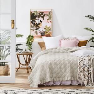 Luxusný francúzsky prehoz na posteľ běžovej farby