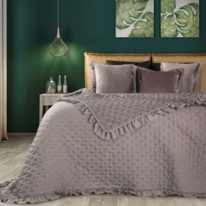 Béžový prehoz na posteľ s límcom