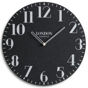 Kvalitné hodiny z dreva v čiernej farbe