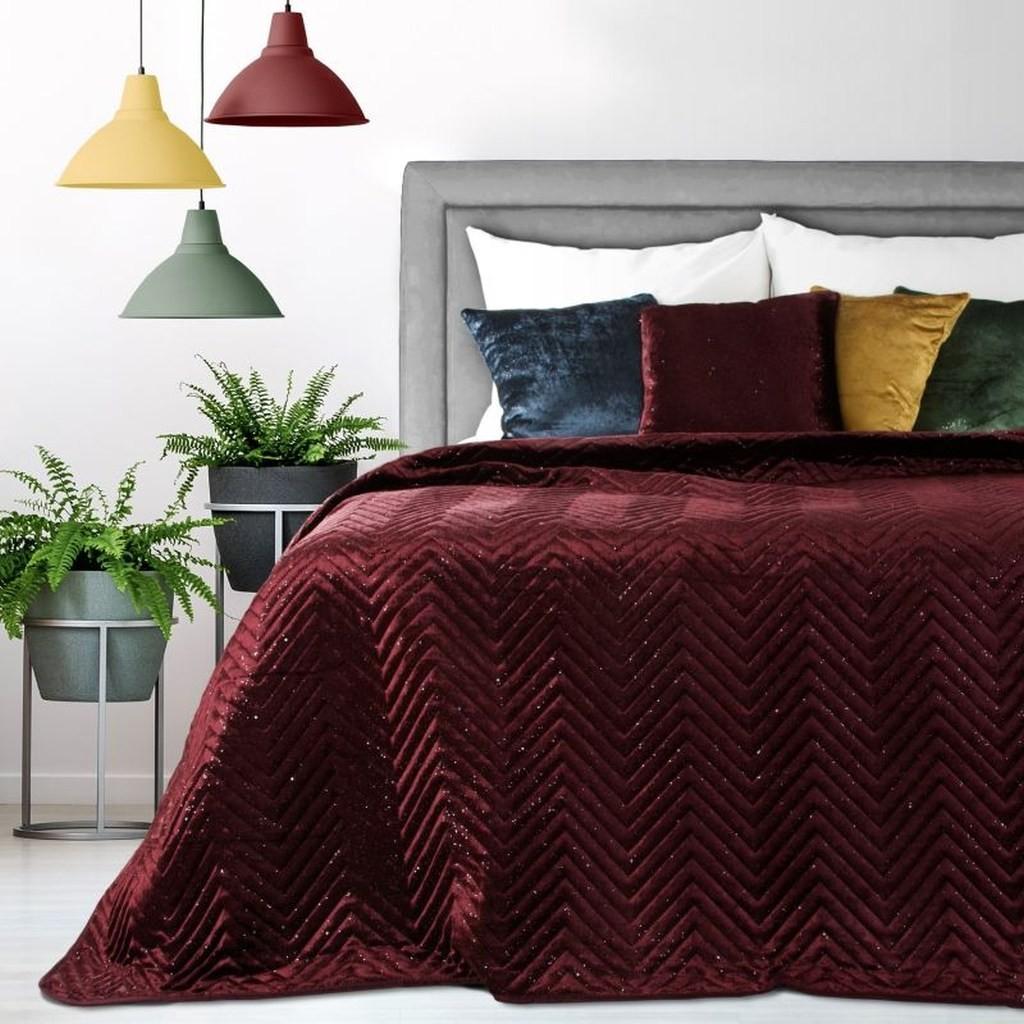 DomTextilu Luxusný prehoz na posteľ v bordovej farbe Šírka: 220 cm   Dĺžka: 240 cm 16661-124385