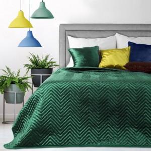 Zelené dekoračné prehozy na posteľ s prešívaním