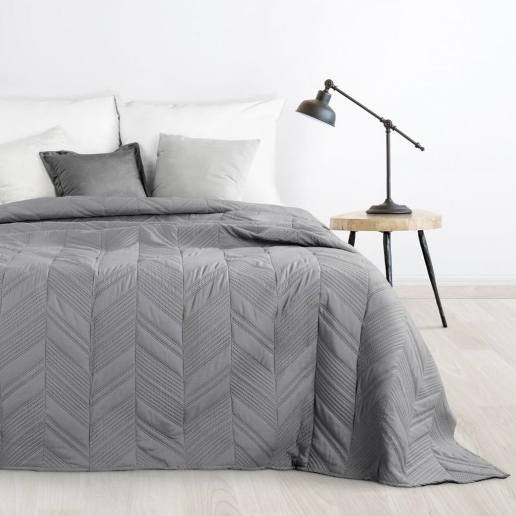 DomTextilu Tmavo sivý prehoz na posteľ s moderným prešívaním Šírka: 170 cm   Dĺžka: 210 cm 16679-124781
