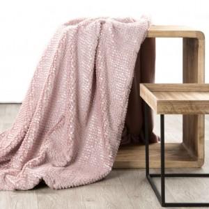 Teplá kvalitná deka z mikrovlákna v ružove farbe
