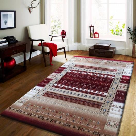 Luxusný koberec v béžovej farbe s červenými vzormi