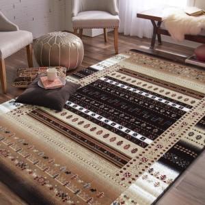 Béžovy elegantný koberec do obývačky s hnedými vzormi
