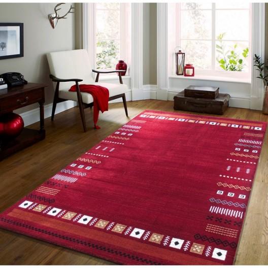 Štýlový koberec v červenej farbe s motívom geometrických tvarov