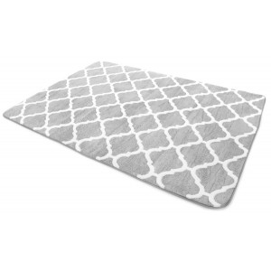 Kusový koberec v svetlo sivej farbe