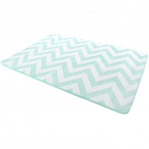 Kusový koberec v mentolovej farbe