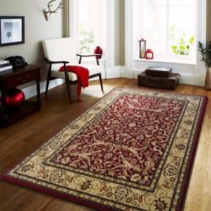 Kvalitný koberec v červenej farbe vo vintage štýle