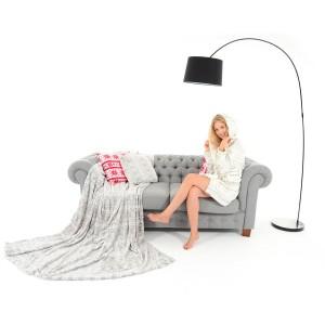 Bielosivá deka na gauč so snehovými vločkami