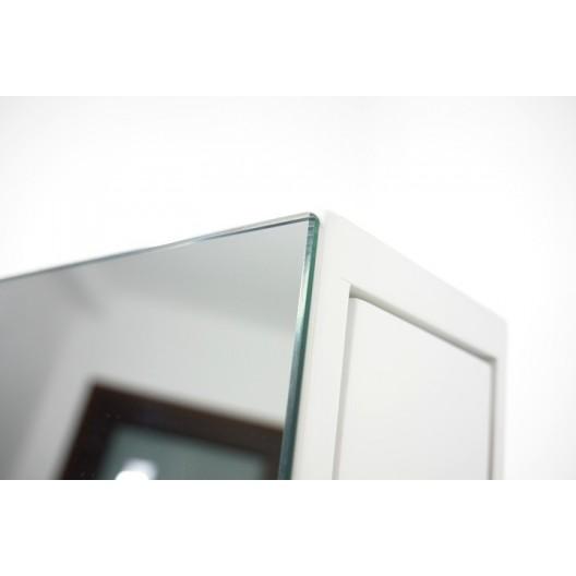 Zrkadlo so stojanom a výsuvným priestorom na šperky