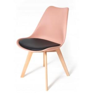 Stoličky do interiéru v púdrovej farbe
