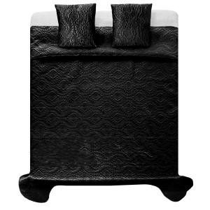 Čierne satenové prehozy na manželskú posteľ so vzormi