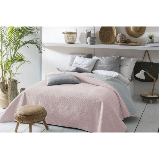 Obojstranný prehoz na posteľ svetlo ružovej farby