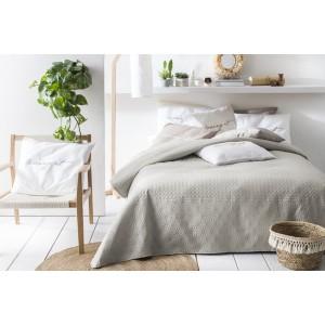 Prikrývka na posteľ béžovej farby