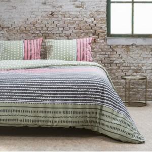 Zelené posteľné obliečky s originálnym vzorom BIT SHABBY 200 x 220 cm
