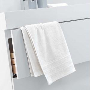 Bavlnená osuška krémovej farby 50 x 90 cm