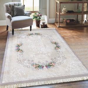 Elegantný béžový koberec so strapcami