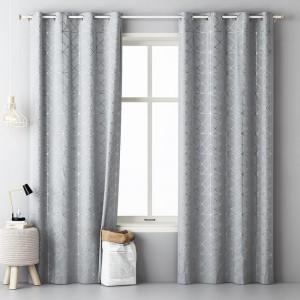 Svetlo sivé závesy so strieborným vzorom 140 x 280 cm