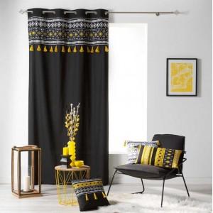 Elegantný čierny záves so žltým vzorom a strapcami 140 x 240 cm