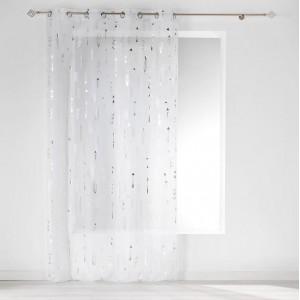 Jemná biela záclona so strieborným vzorom