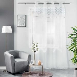Jemná elegantná záclona so strieborným vzorom 140 x 240 cm
