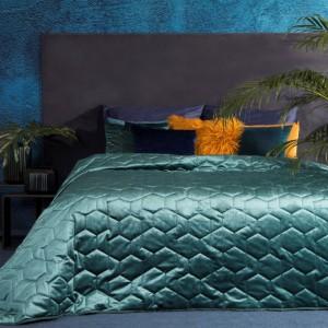 Luxusný svetlo modrý prehoz na manželskú posteľ