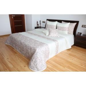 Kvalitný béžový prehoz na postel s jemným vzorom