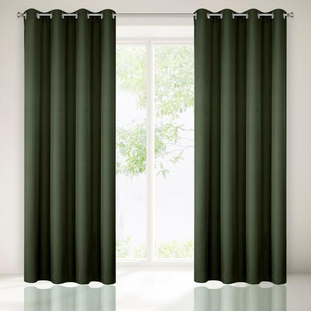 Tmavo zelené dekoračné závesy do spálne