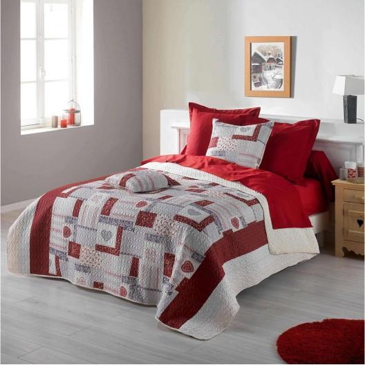 Módny červeno biely prehoz s motívom sŕdc 220 x 240 cm