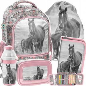 Školská ružová päťdielna kvetinová taška  pre milovníčku koní