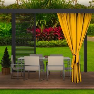 Výrazný žltý záves do záhradného altánku