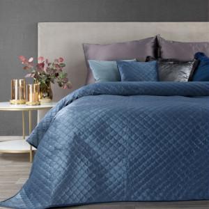 Dekoračný obojstranný prehoz na posteľ modrej farby