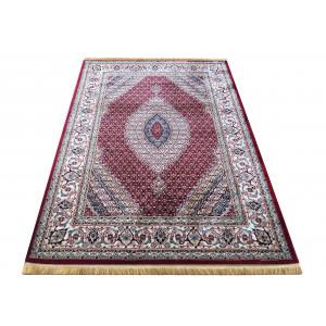 Orientálny koberec červenej farby